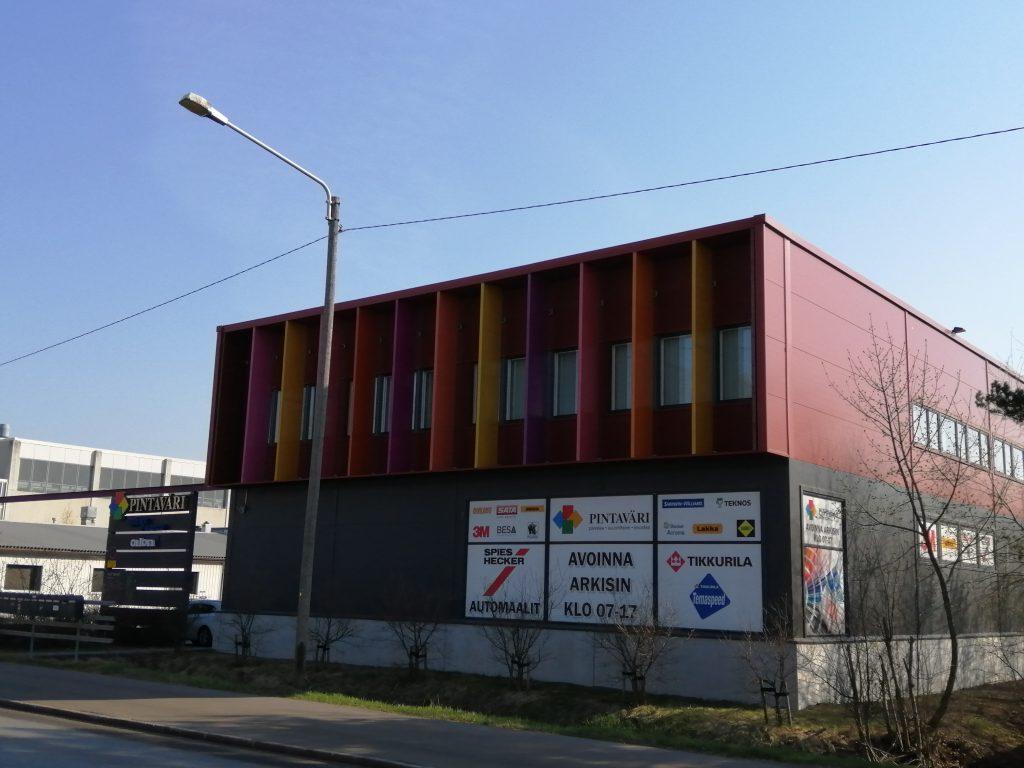 Palkitun arkkitehdin, Tommi Tuokkolan suunnittelema toimitalo on valmistunut vuonna 2012