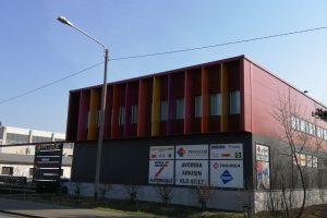 Myymälätilaa 296m2 näkyvällä paikalla Aviapoliksen alueella.